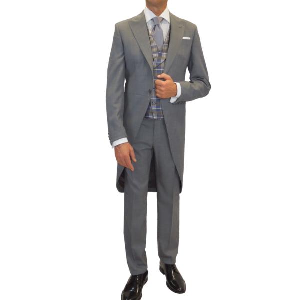 Levita y pantalón gris con chaleco gales