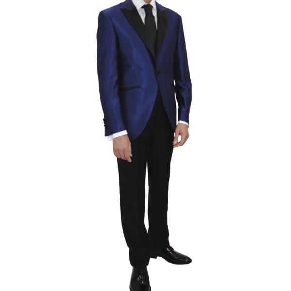 traje de novio, chaqueta azul y pantalón negro