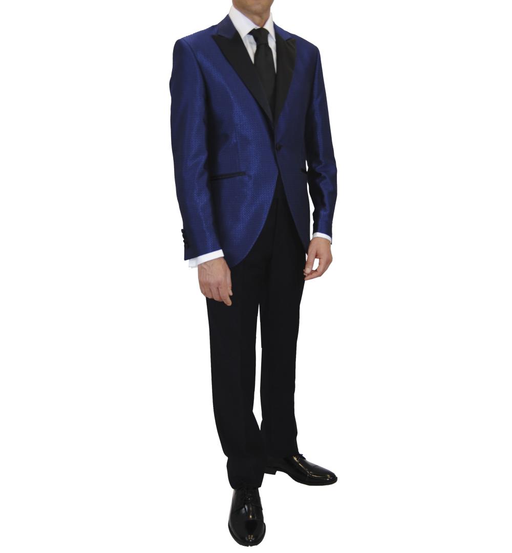 Traje pantalon negro chaqueta azul