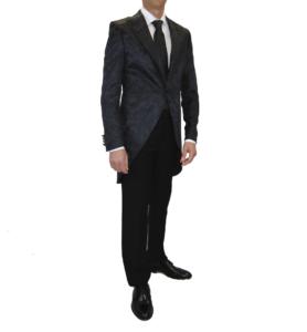 semichaqué negro adamascado, pantalón negro