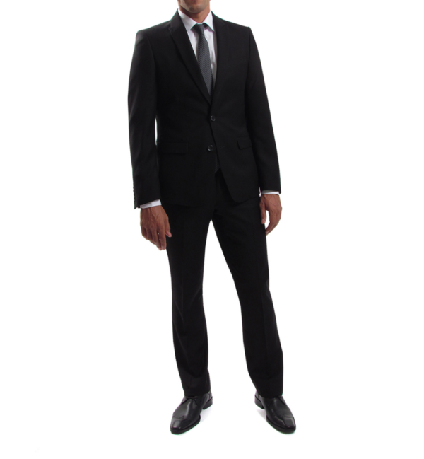 trraje negro slim-fit