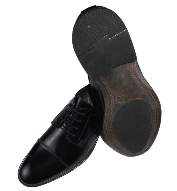 detalle suela de goma, zapato brillo