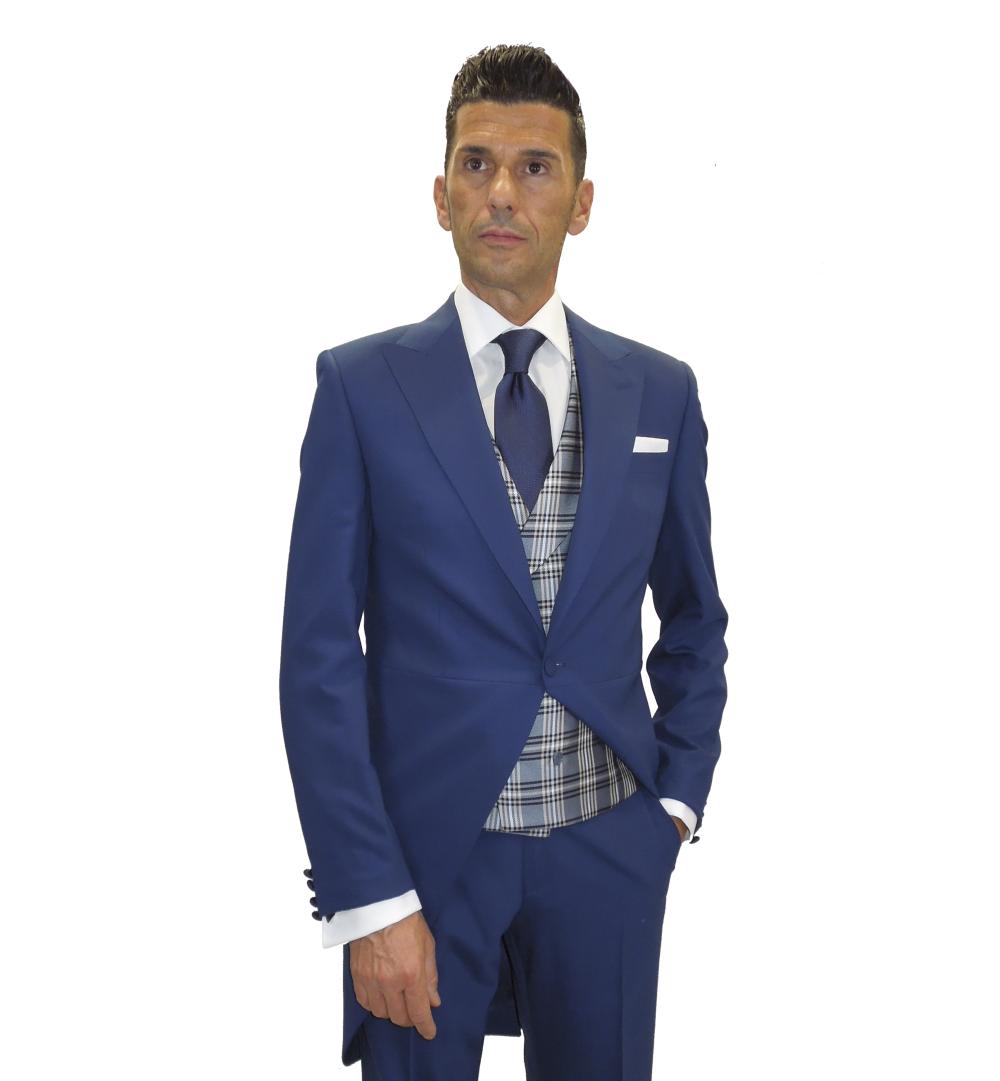 detalle levita azul y chaleco gales en gris y azul