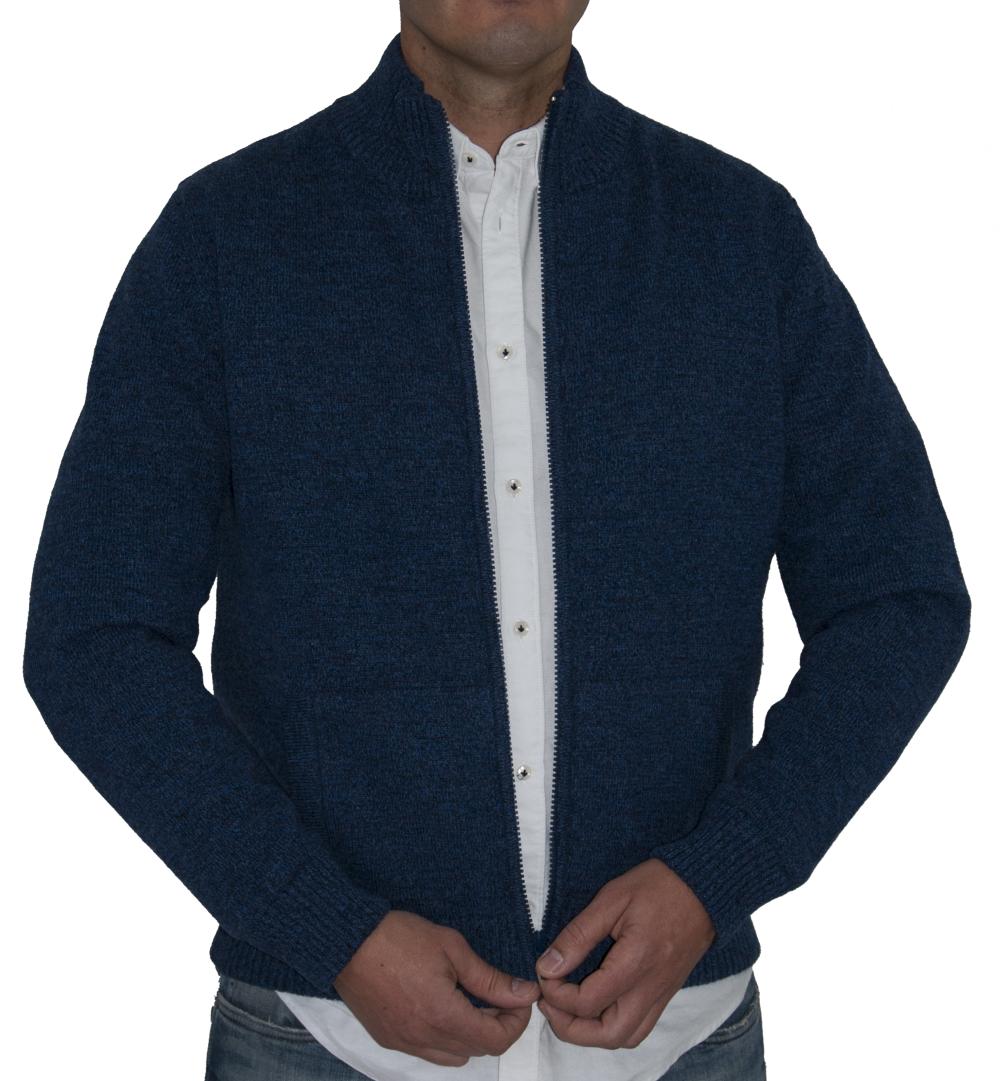 Cazadora lana color azul.