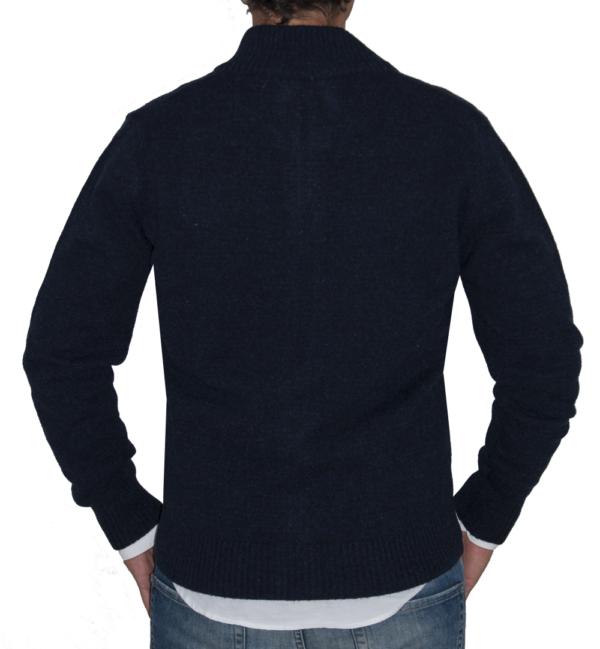 Detalle espalda chaqueta azul marino