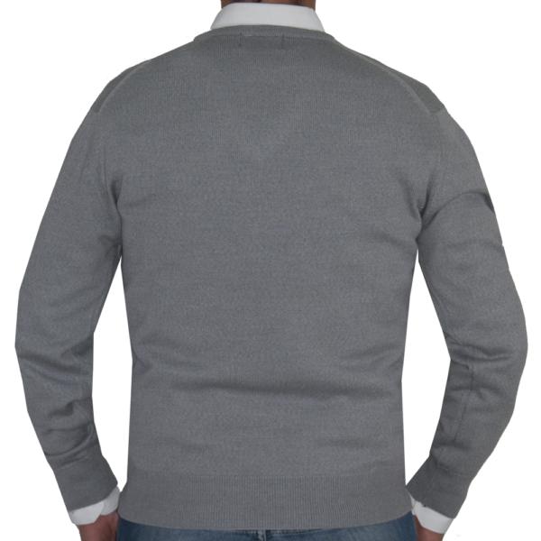 Detalle espalda jersey gris claro.