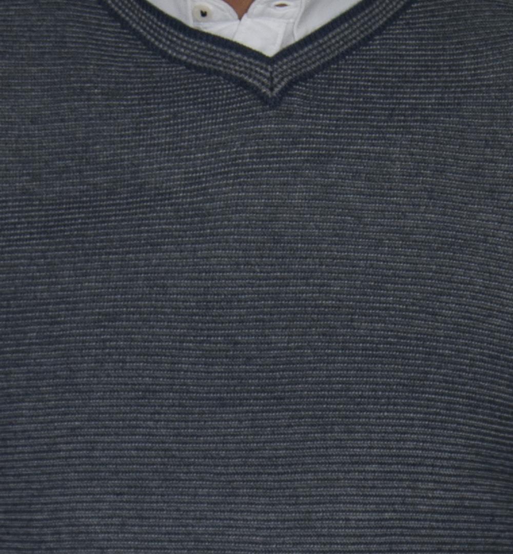 Detalle rayado azul.