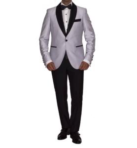 Conjunto esmoquin chaqueta color plata.